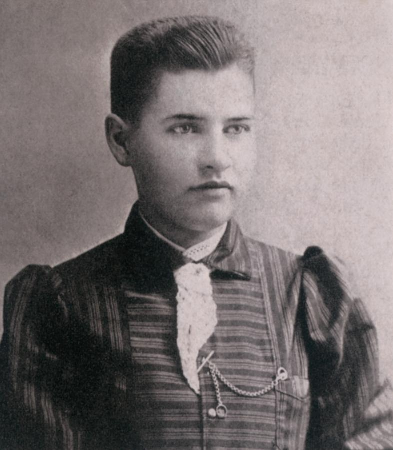 willa-cather-when-she-was-a-student-everett